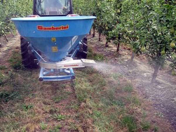 attrezzi-trattori-agricoli-fienagione-orsi-medicina